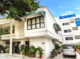 FabHotel Namaste BnB & Service Apartments Vasant Vihar, hotel near National Rail Museum, New Delhi