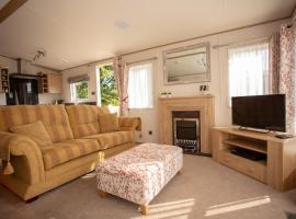 Robin's Retreat, lodge in South Cerney