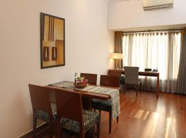 Ahuja Residency Sunder Nagar, hotel near Hazrat Nizammudin Train Station, New Delhi