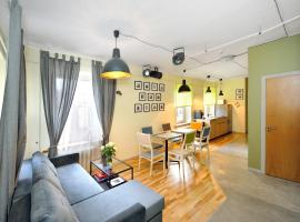 Theater guest house, šeimos būstas mieste Kaunas