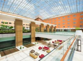 Plaza Caserta, hotel with pools in Caserta