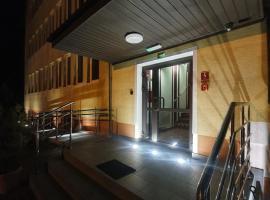Lux Resort – hotel w pobliżu miejsca PKP Lublin w mieście Kraśnik