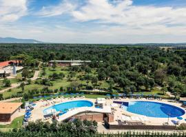 Mercure Tirrenia Green Park, hotel near Stazione Livorno Centrale, Tirrenia