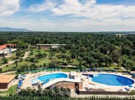 Mercure Tirrenia Green Park, hotel near PalaLivorno, Tirrenia