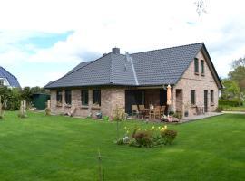 Ferienhaus Dine, villa in Born