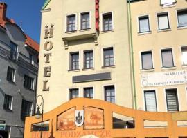 Hotel Restauracja Podzamcze, hotel in Szczecin