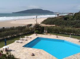 APARTAMENTO BEIRA MAR PÉ NA AREIA, apartamento em Florianópolis