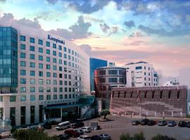 فندق كمبينسكي عمّان، فندق في عمّان
