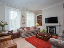 Luxury Bath City Centre Property, apartment in Bath