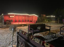 Royal Tours Permanent Camp, luxury tent in Umm Lajj