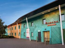 Ramada by Wyndham Cobham, hotel in Cobham