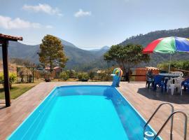 Temporada no Paraíso, hotel with pools in Teresópolis