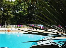 Camping Officiel Siblu Les Pierres Couchees, campground in Saint-Brevin-les-Pins