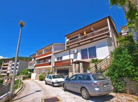 Apartments and room Rabac 155, B&B in Rabac
