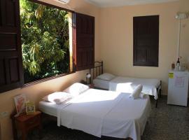 Hostal Rosa y Ramon TRINIDAD, bed & breakfast a Trinidad