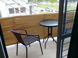 Privé - Departamentos privados - Sobre Avenida Gutnisky, a metros del Casino., hotel en Formosa