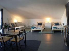 Amplio Apartamento Madrid, pet-friendly hotel in Madrid