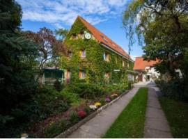 Pension Kleint, Wohnung 1 , Hotel in Radebeul