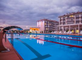 Barkhatnye Sezony Russky Dom Resort Semeiny Kvartal, hotel with pools in Adler
