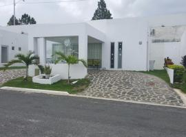 BEACH HOUSE enjoy a quiet and relaxing vacation, villa in Nancito