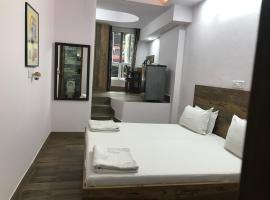 Tatvamasi Homestay, family hotel in New Delhi