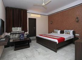 Hotel Anand Palace, hotel near Sawai ManSingh Medical College, Jaipur