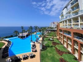 Pestana Promenade Ocean Resort Hotel, hotel cerca de Mirador Pico dos Barcelos, Funchal