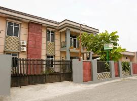 OYO 1394 Rumaisa Homestay Syariah, hotel in Pekanbaru