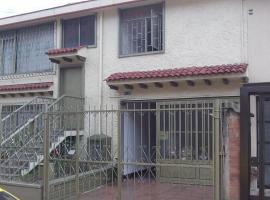 CASA HUESPEDES ANA CAROLINA, habitación en casa particular en Bogotá