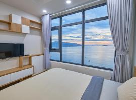 Sunrise Hon Chong Ocean View Apartment, apartment in Nha Trang