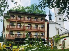 Mala Narnia, hotel ve Frymburku