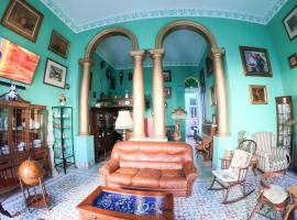 Hostal Neptuno 1915, bed and breakfast a L'Havana