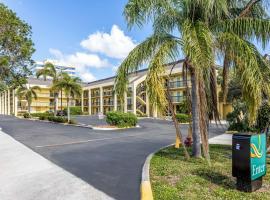 Quality Inn Palm Beach International Airport, hotel near Palm Beach International Airport - PBI,