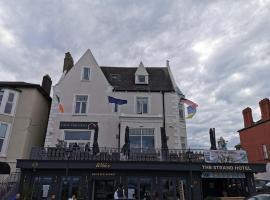 The Strand Hotel former Home of Oscar Wilde & Caffe Vergnano 1882, hotel in Bray