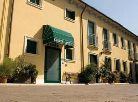 Albergo Corte Antica, hotel cerca de Castillo Scaligero di Villafranca, Villafranca di Verona