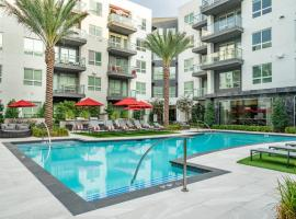 Luxury Apts near SDSU by WanderJaunt, vacation rental in San Diego