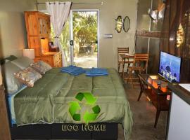 Urban Eco Oasis, hotel near Melrose Avenue, Los Angeles