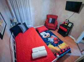 ✯BE OUR GUEST Rm4!! Day bed W/trundle, pool✯, homestay in Kissimmee
