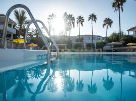 Fuentepark Apartamentos, pet-friendly hotel in Corralejo
