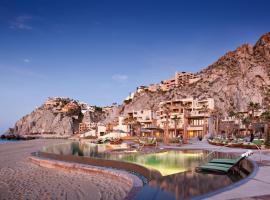 Waldorf Astoria Los Cabos Pedregal: Cabo San Lucas şehrinde bir tatil köyü