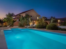 Villa Bravura Milna Brac for 12 ,save 15 percent on Split-villas com, hotel in Milna