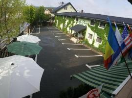 Vila Chesa, hotel in Corunca