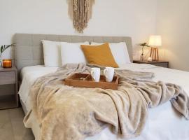 Luxury 5th Avenue Menesse 32, hotel near Kool Beach Club, Playa del Carmen
