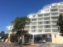 Ettalong Beach Premium Apartments, hotel near Empire Bay Marina, Ettalong Beach