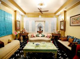 Aura Homestay Royal Villa, hotel with jacuzzis in Jaipur