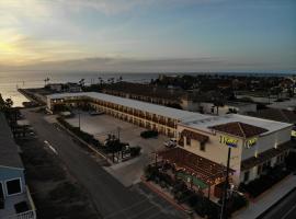 Lighthouse Inn, íbúð í South Padre Island