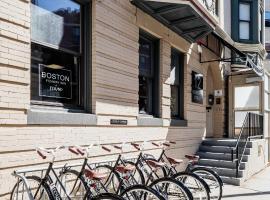 Boston Fenway Inn by Found, inn in Boston