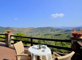 Alano Villa Sleeps 11 Air Con WiFi, villa in Santa Maria di Castellabate