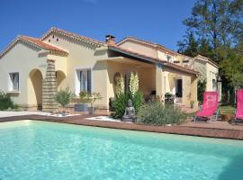 """B & B """"Les Charmettes"""", hotel near Grand Avignon Golf Course, Vedène"""