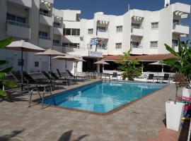 Boronia Hotel Apartments, hotel in Larnaca
